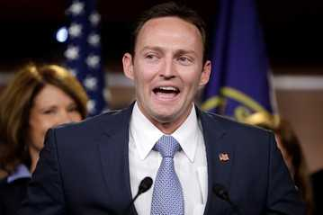 Self-Proclaimed Independent @RepMurphyFL Supports War in Syria